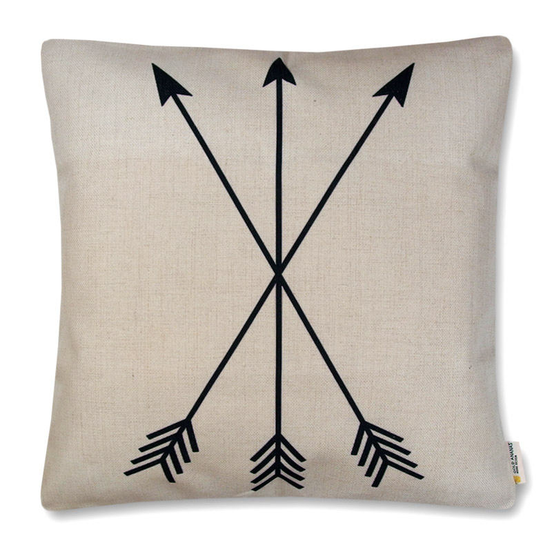 poszewka dekoracyjna na poduszkę 45x45 Trzy strzały na naturalnym tle